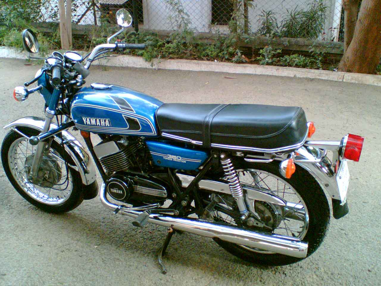 Tne one and only rd 350 rajdoot yamaha rd350 customer for Yamaha 350cc motorcycles