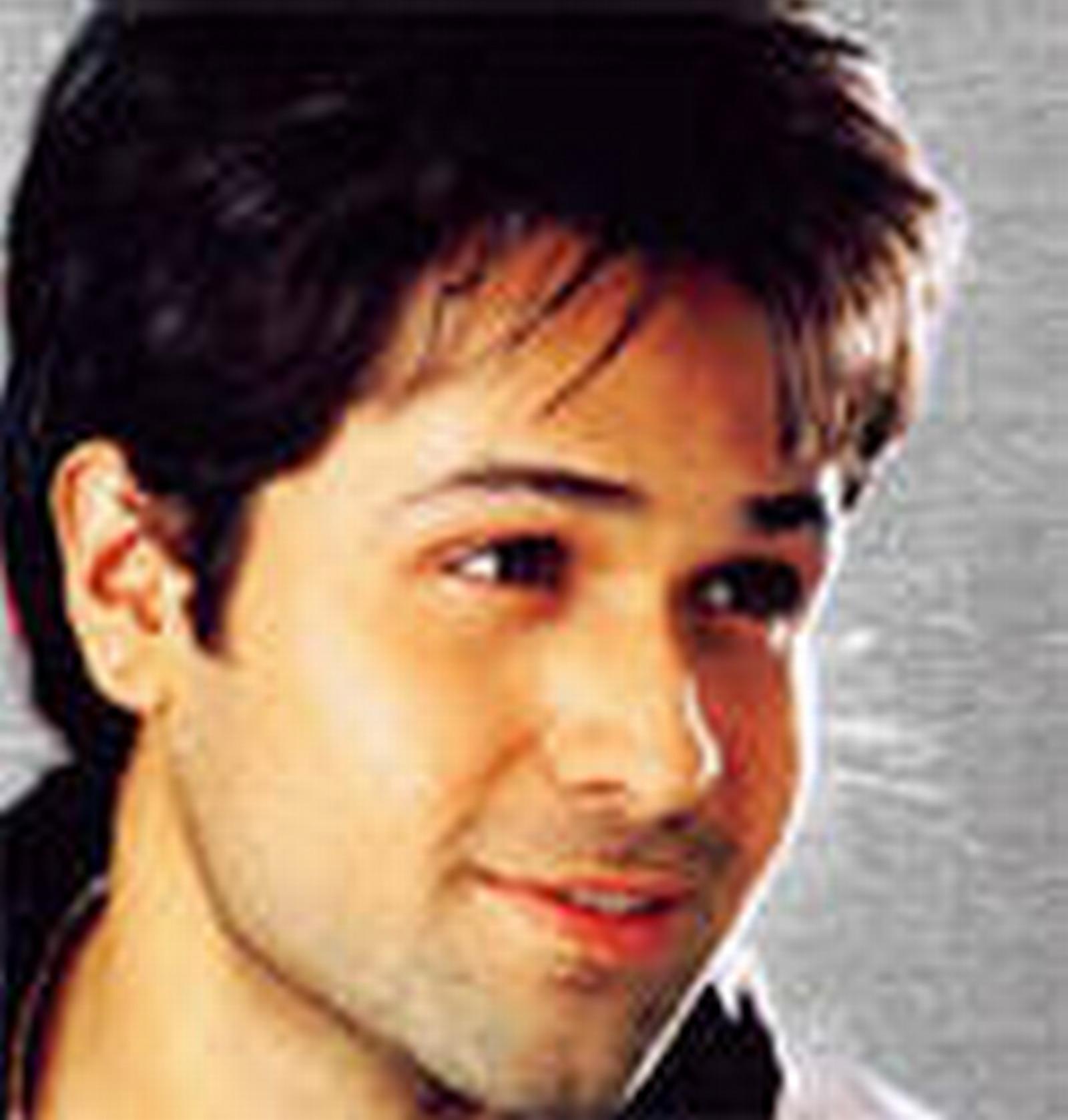 aashiq banaya aapne naa song download 2005