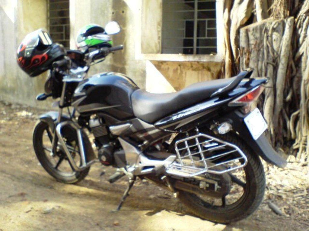 Honda unicorn 150 cc very stylish bike - HONDA UNICORN 150