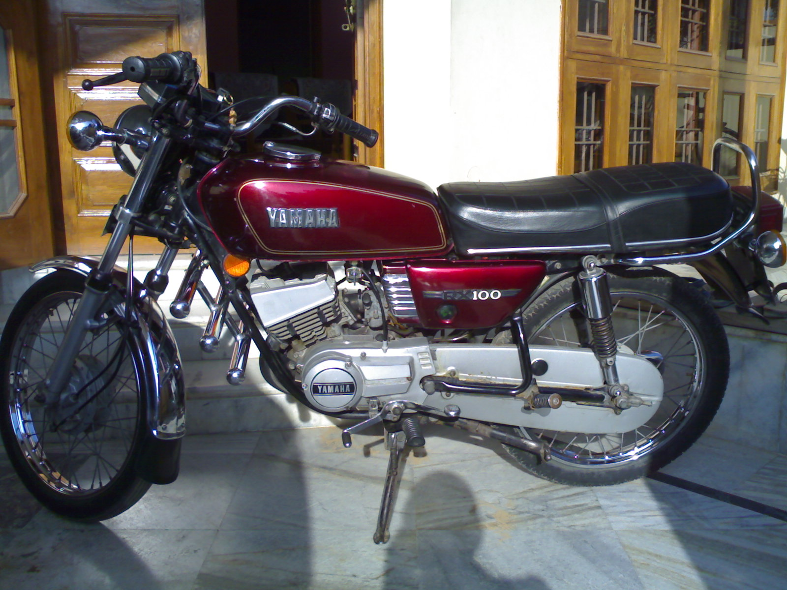 Dream bike of Indian Youth - YAMAHA RX100 Customer Review