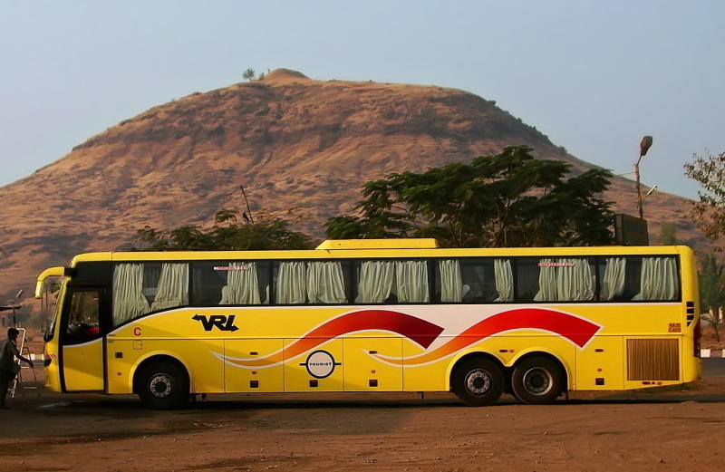 Multi Axle Volvo B9r Mumbai Bangalore Vrl Travels