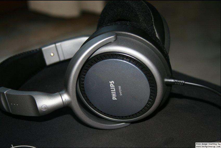 Headphones of Philips SHP 2700