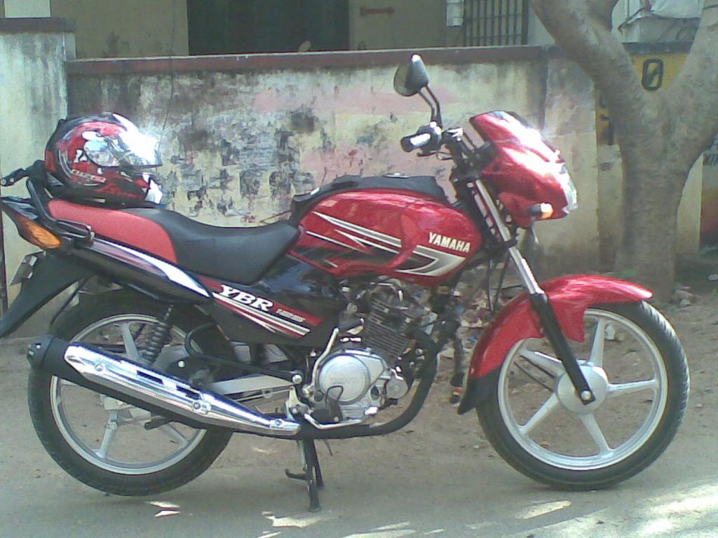 My Second bike after Hero Honda splendour  - YAMAHA YBR 125 Customer