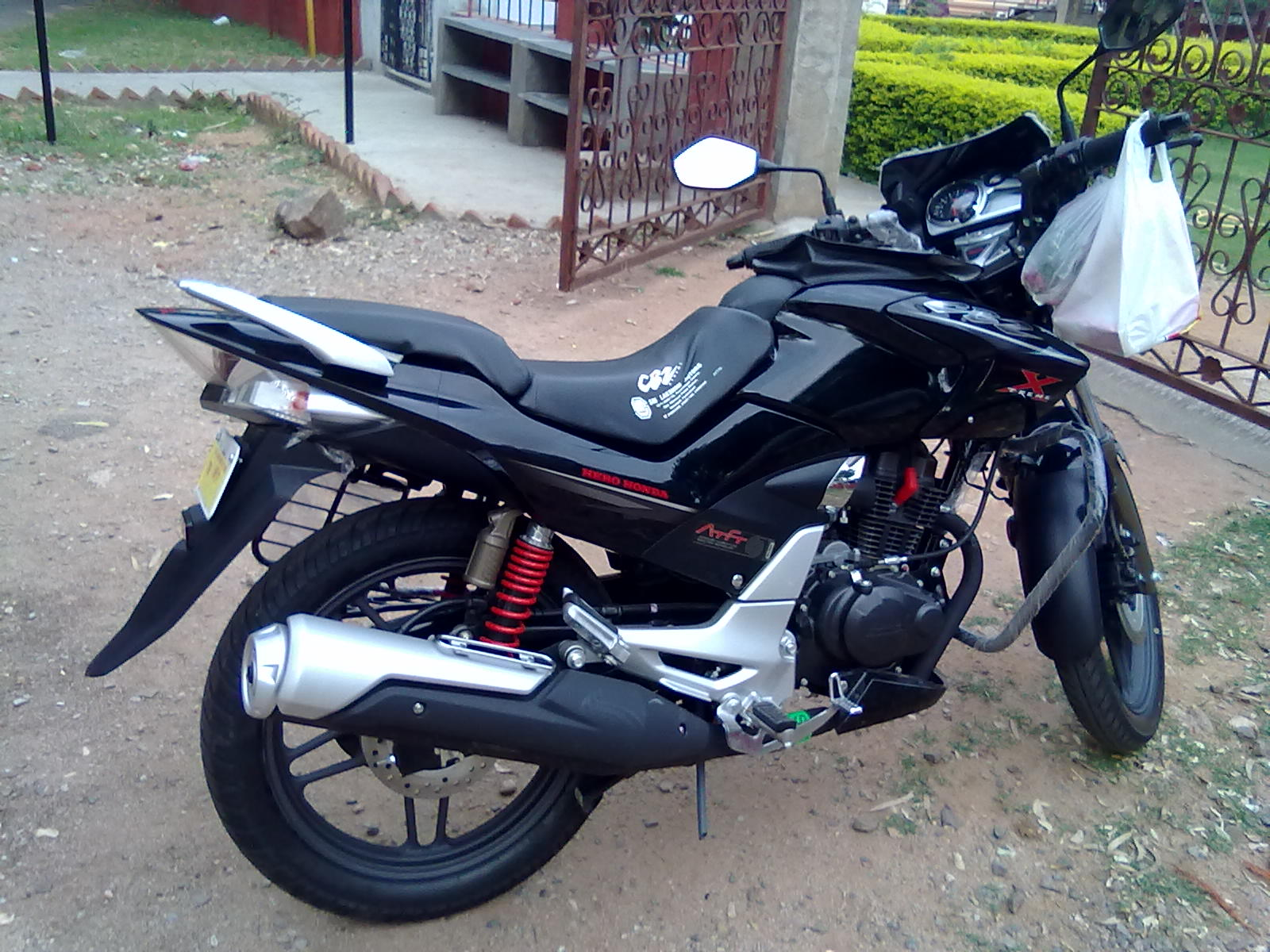 Hero Honda Cbz Xtreme Review Price Model Types Stores Brands India My First Bike With