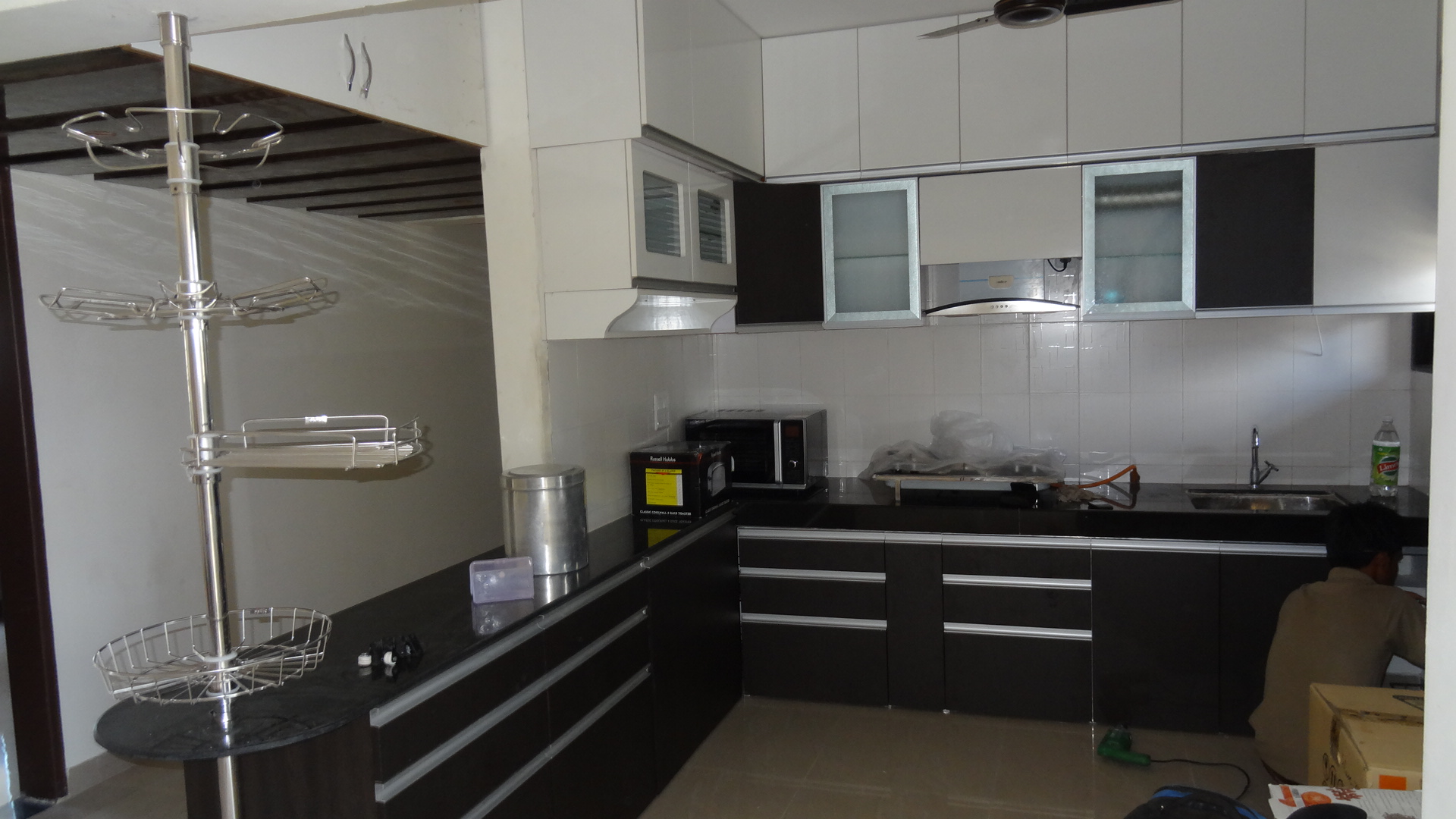 Best modular kitchen maker in pune market shirke39s for Interior design kitchen in pune