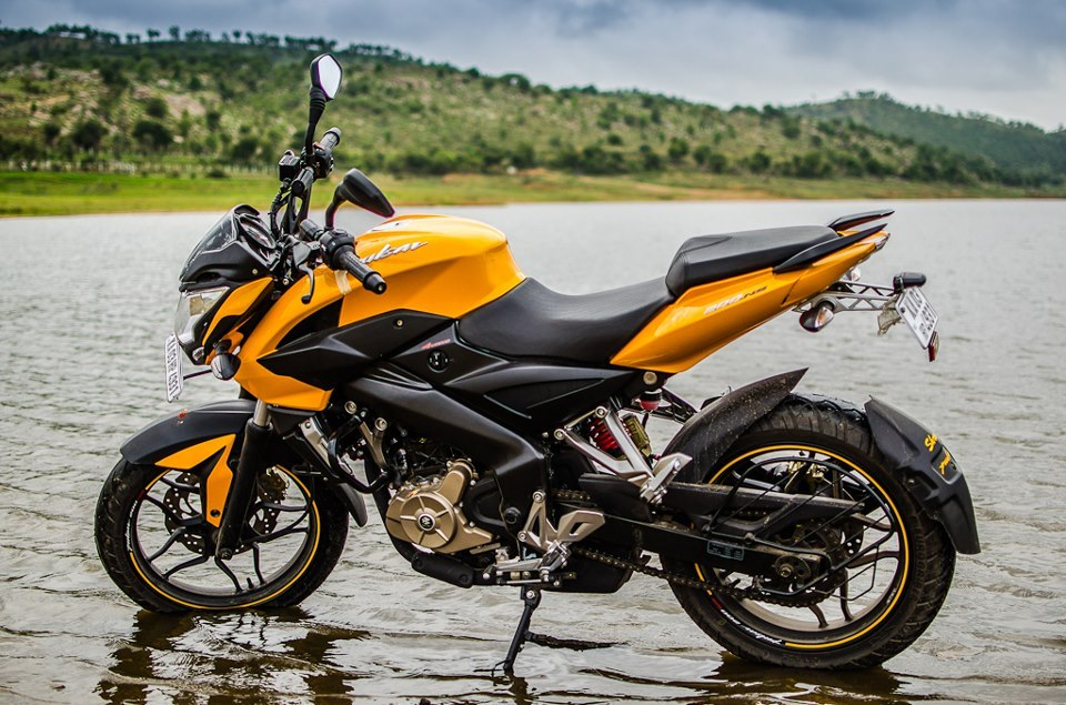 IN PICS: Pulsar 200NS takes on KTM and Honda CBR! - Rediff