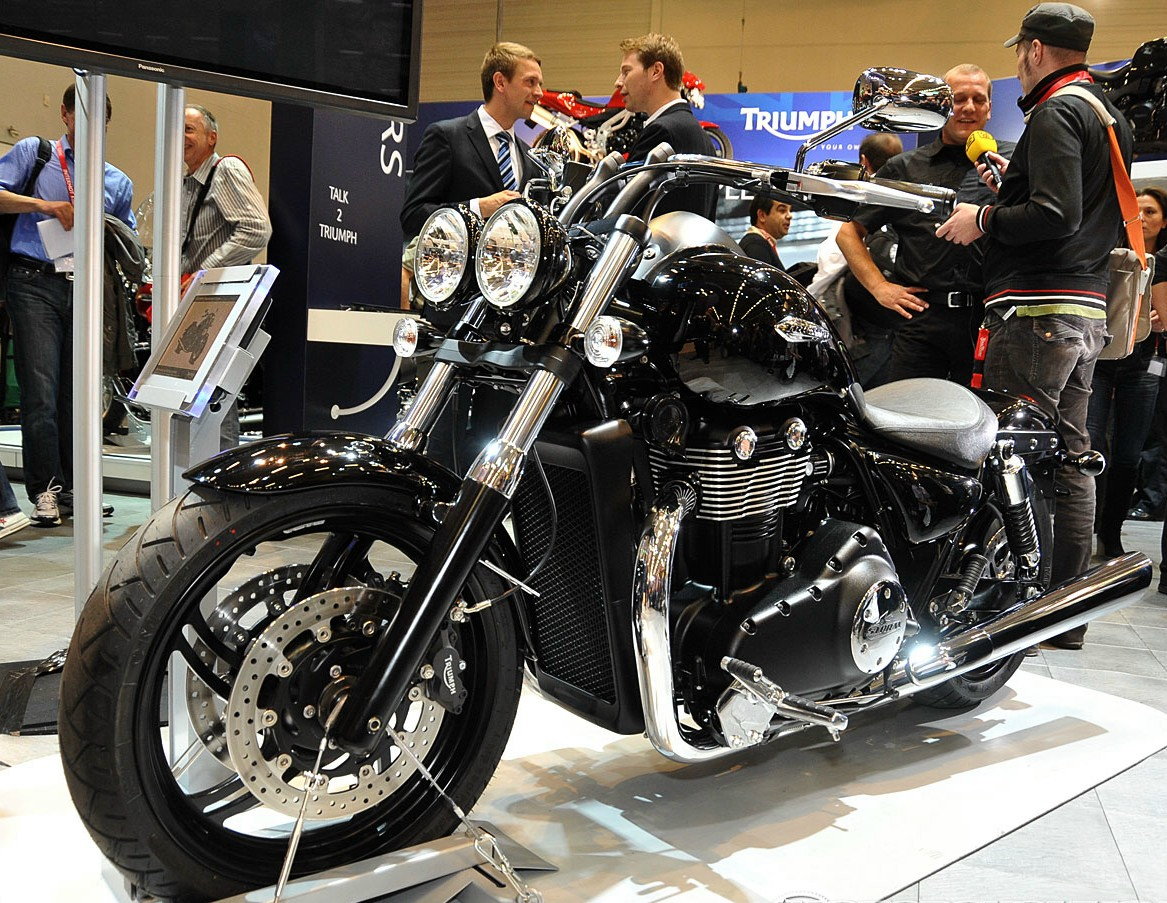 Buying A Superbike Reigning In A Storm Triumph Thunderbird Storm