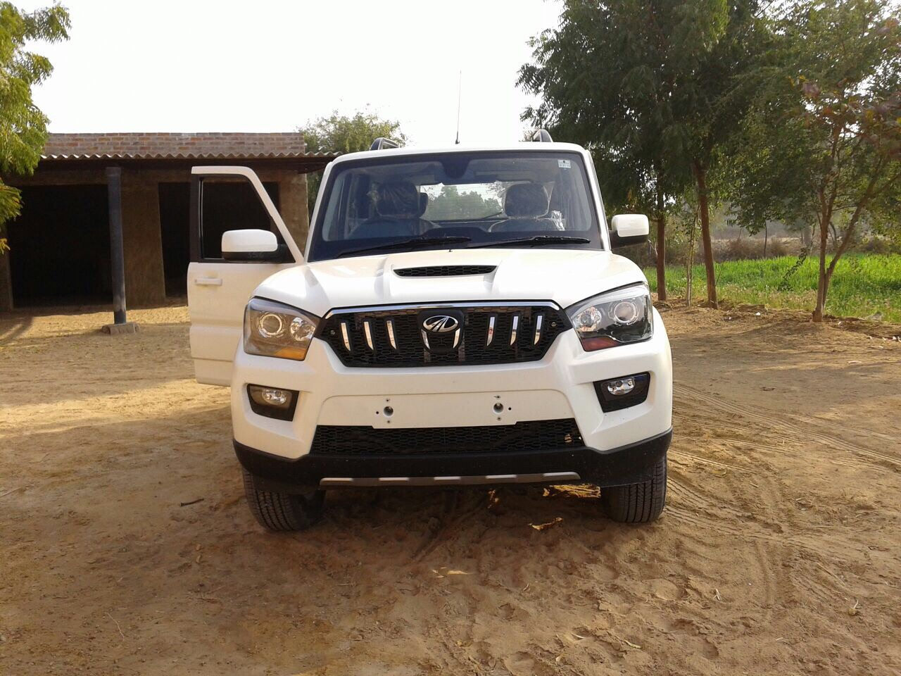 Mahindra Scorpio Crde Photos Images And Wallpapers