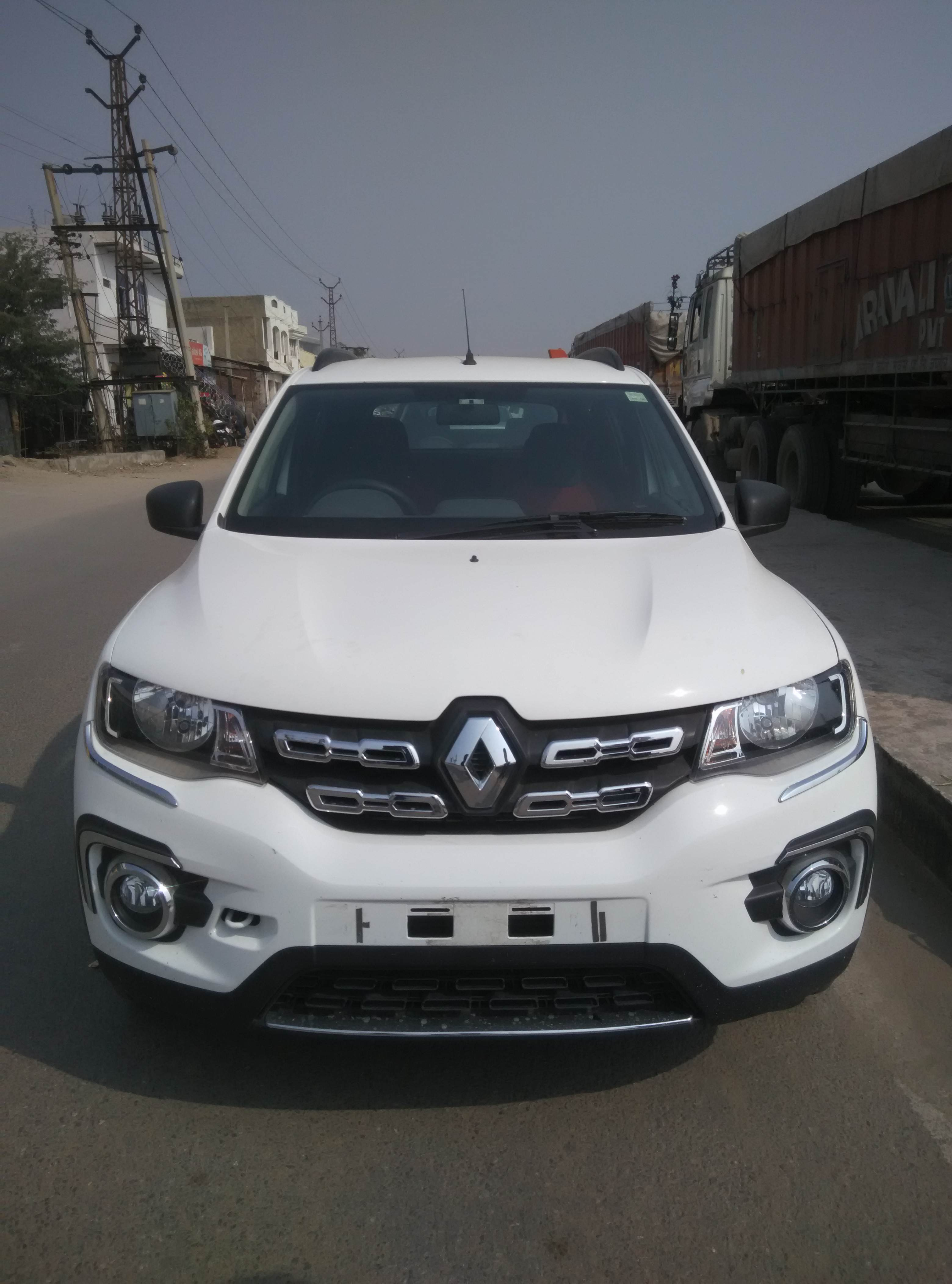 renault duster kwid price with Renault Kwid Rxt Optional Review Sqnroqrouqm on 2016 Honda Crv 7 Seater Spied For The First Time India Bound 241337 as well 5 New Renault Cars Kwid Based Micro Suv To All New Duster additionally Dacia Duster 2 2017 Nouveau Suv Low Cost 115629 moreover Renault Lodgy moreover Images.