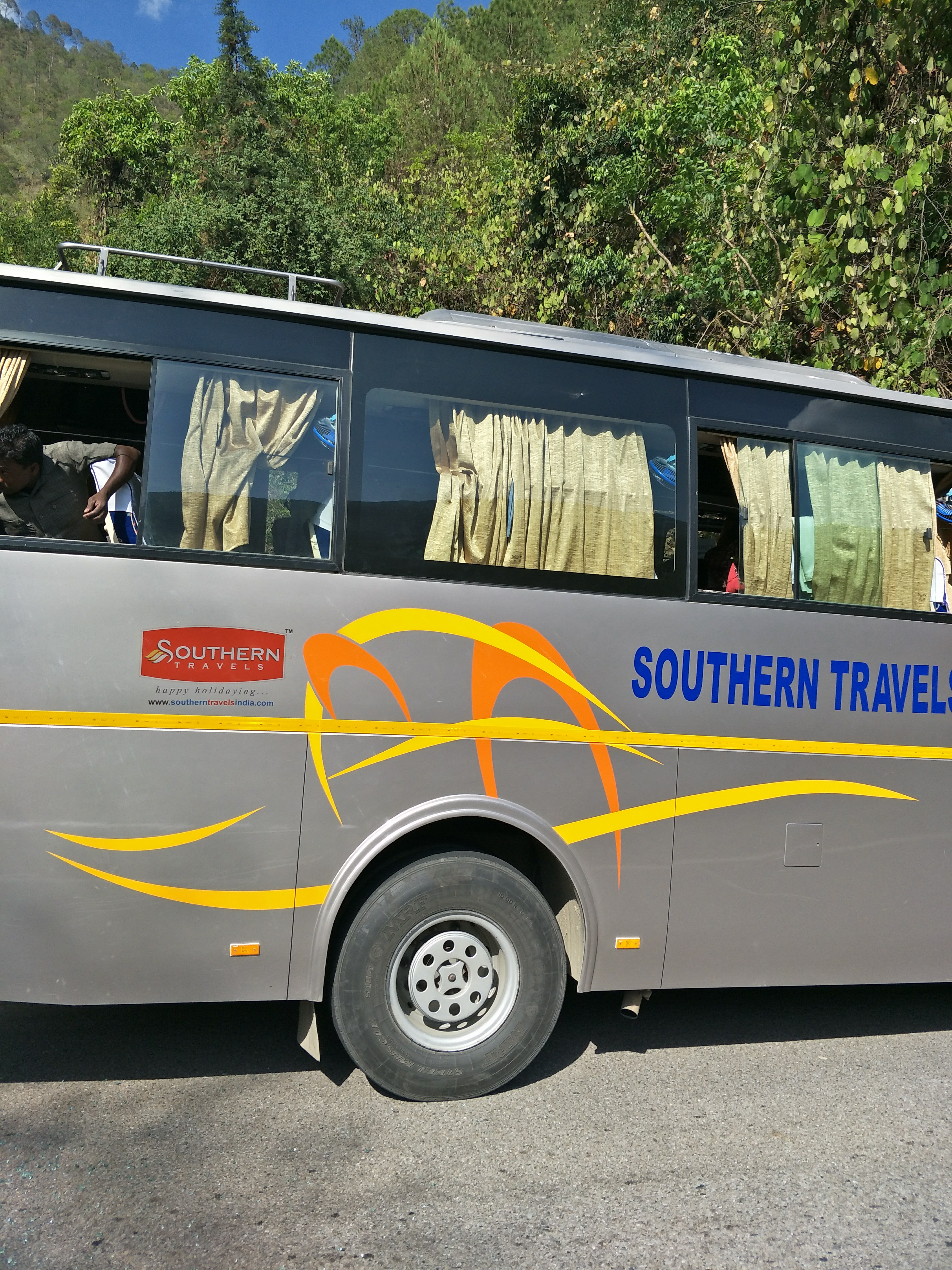 Bus Tour And Travels In Delhi