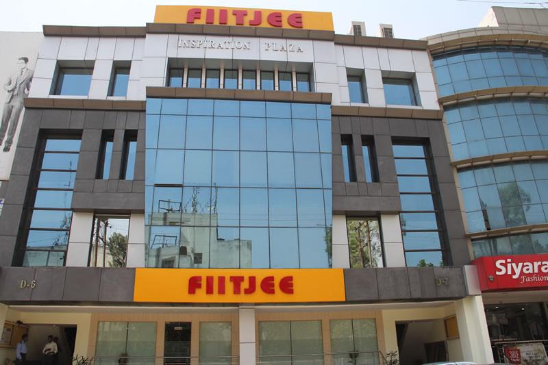 Top Coaching For IIT-JEE in India    - FIITJEE - DELHI Consumer