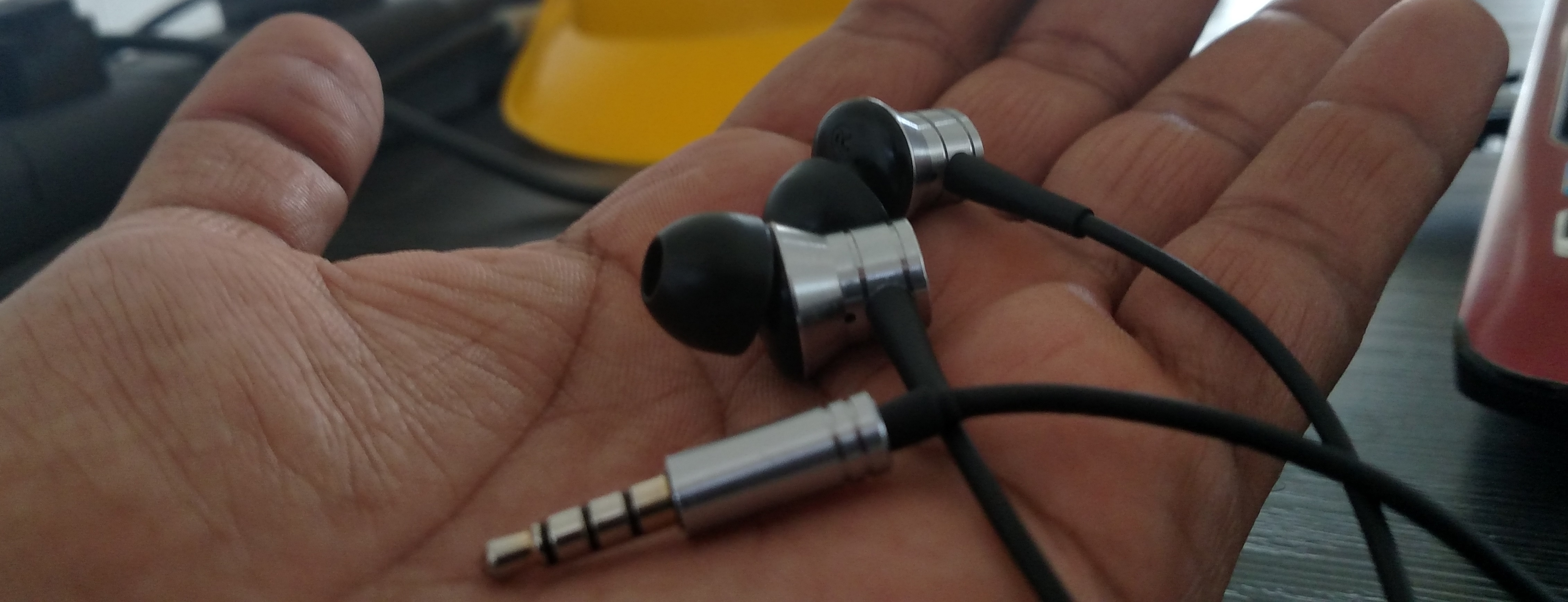 1more Piston Fit Earphones With Mic Review Earphone In Ear Flag This