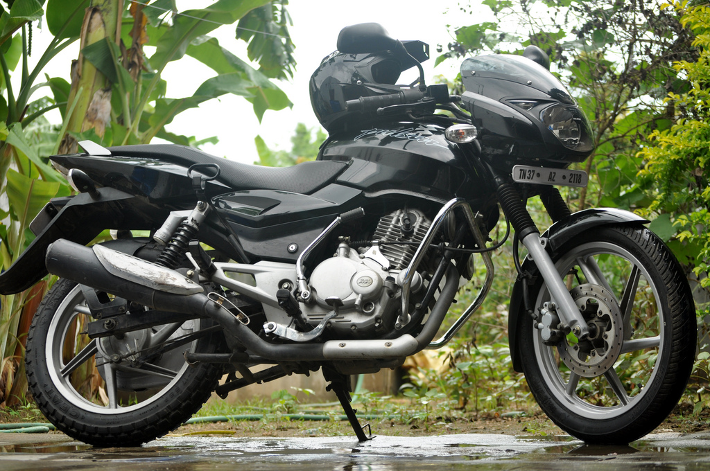 BAJAJ PULSAR 150 DTSI Photos, Images and Wallpapers - MouthShut.com