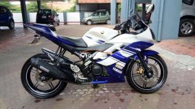 YAMAHA R15 Reviews, Price, Specifications, Mileage