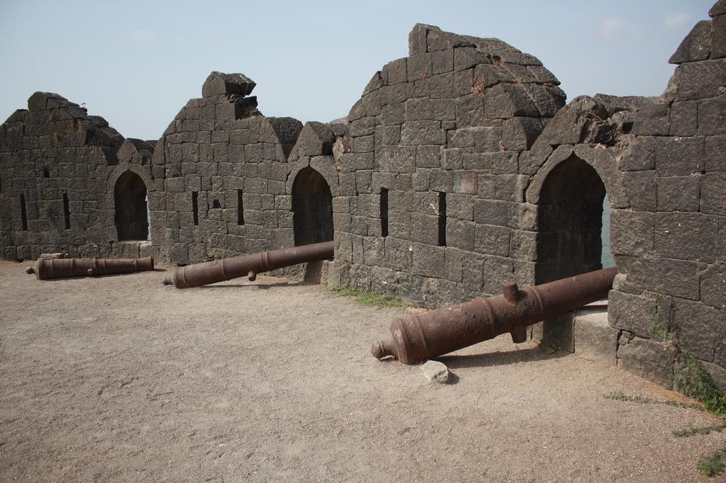Image result for जंजीरा फोर्ट