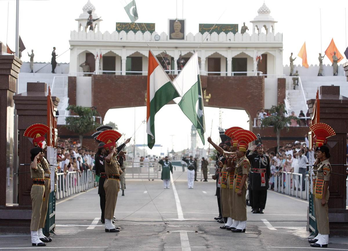 essay on wagah border in punjabi