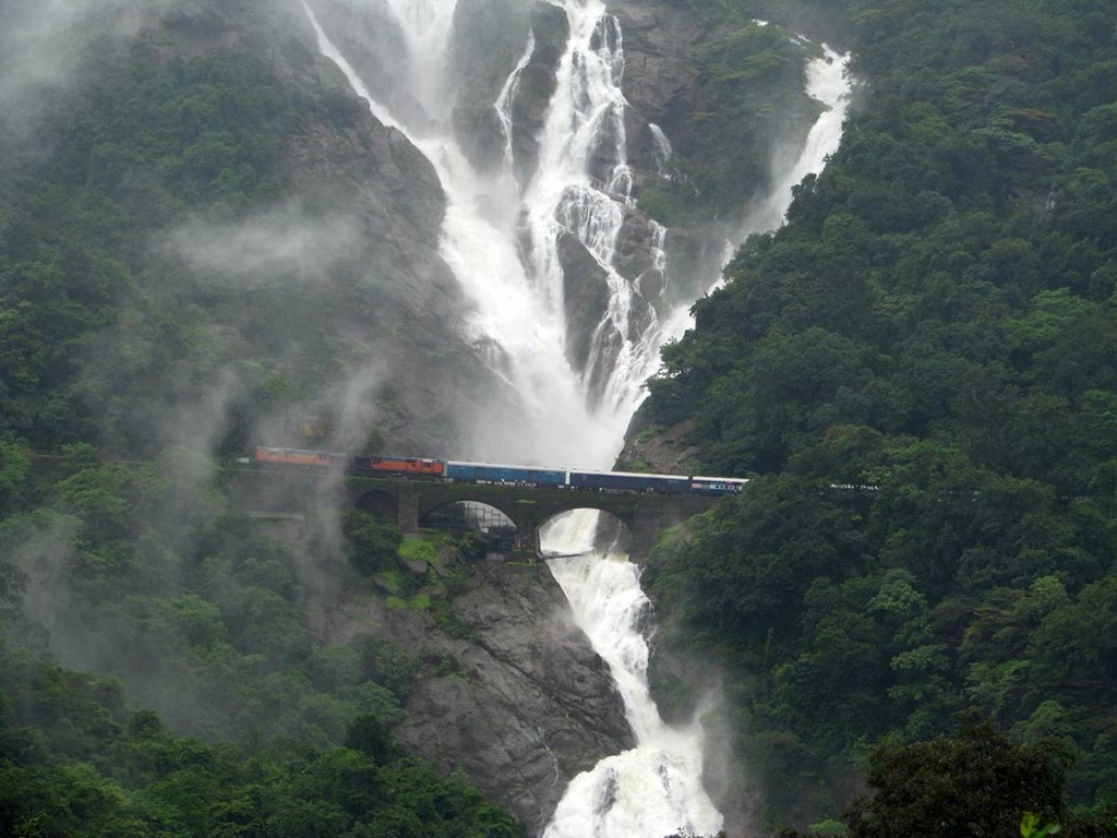 Dudhsagar Falls Reviews Information Tourist Destinations Tourists Attractions India