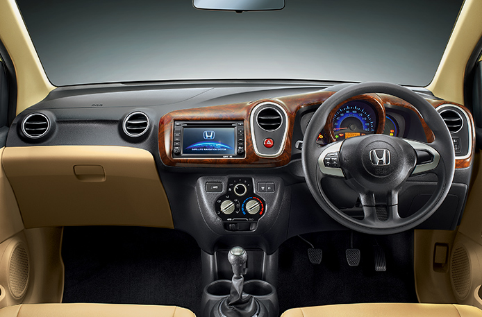 Honda Mobilio S I Dtec Reviews Price Specifications Mileage