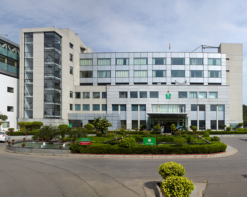 Fortis Escorts Heart Institute and Research Centre - Delhi Photo1