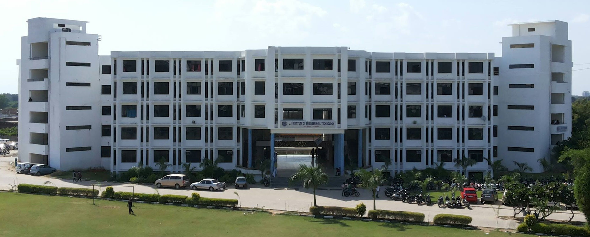 LJ Institute of Engineering & Technology - Ahmedabad Photo1