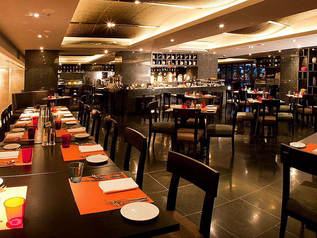 Sky Grill Lounge Bar & Restaurant, Crowne Plaza Kochi, Marad, Kochi Photo1