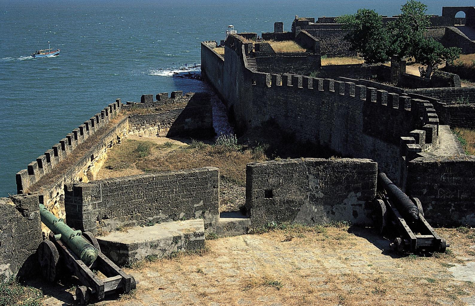 Daman Reviews Tourist Places Tourist Destinations