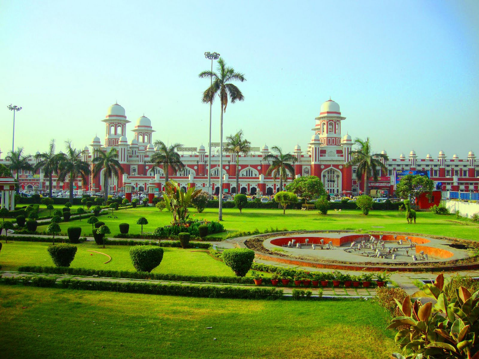 lucknow review tourist places tourist destinations tourist lucknow image