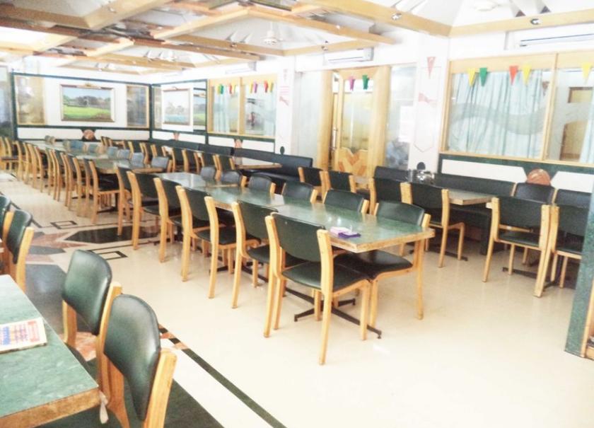 Shreyas Restaurant - Deccan Gymkhana - Pune Image