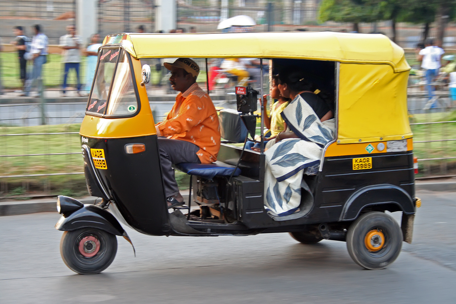 Tips on Traveling in Autorickshaws Image