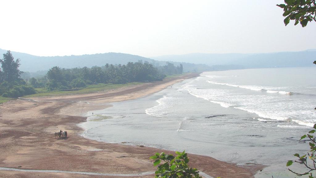 Ladghar Beach Image