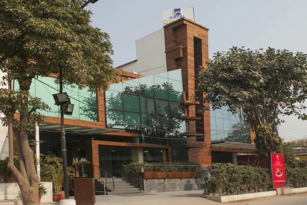 Hotel Crossroads - Gurgaon Image