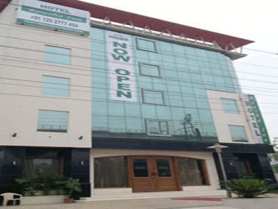 Hotel Rousha Inn - Ghaziabad Image