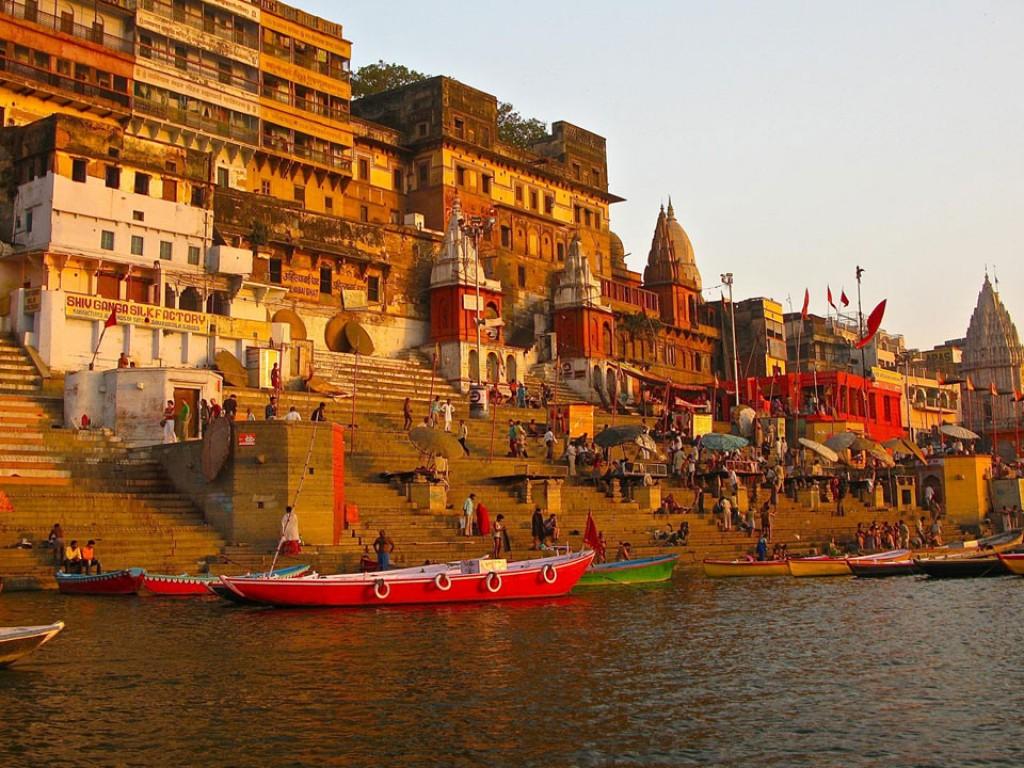 Best Hotels In Varanasi Near Vishwanath Temple