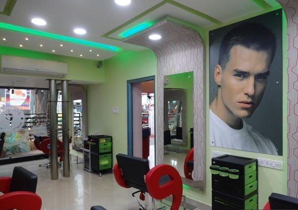 Popular 4 Men And Women Beauty Salon - Indiranagar - Bangalore Image