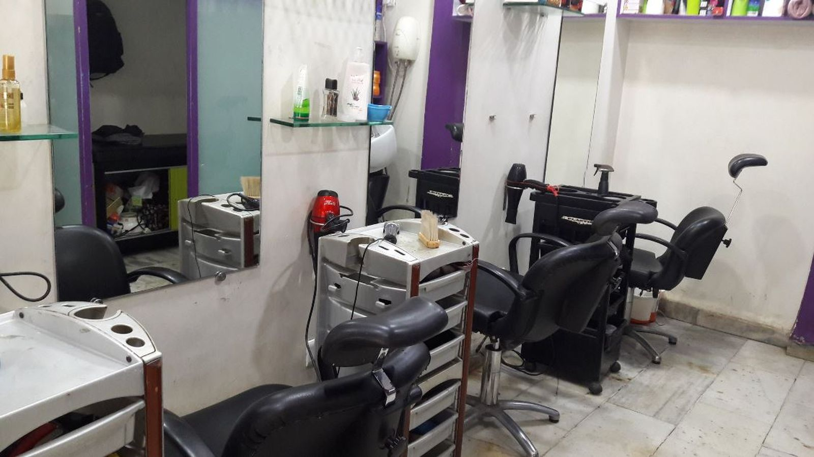 Tangler Family Salon - Malad West - Mumbai Image
