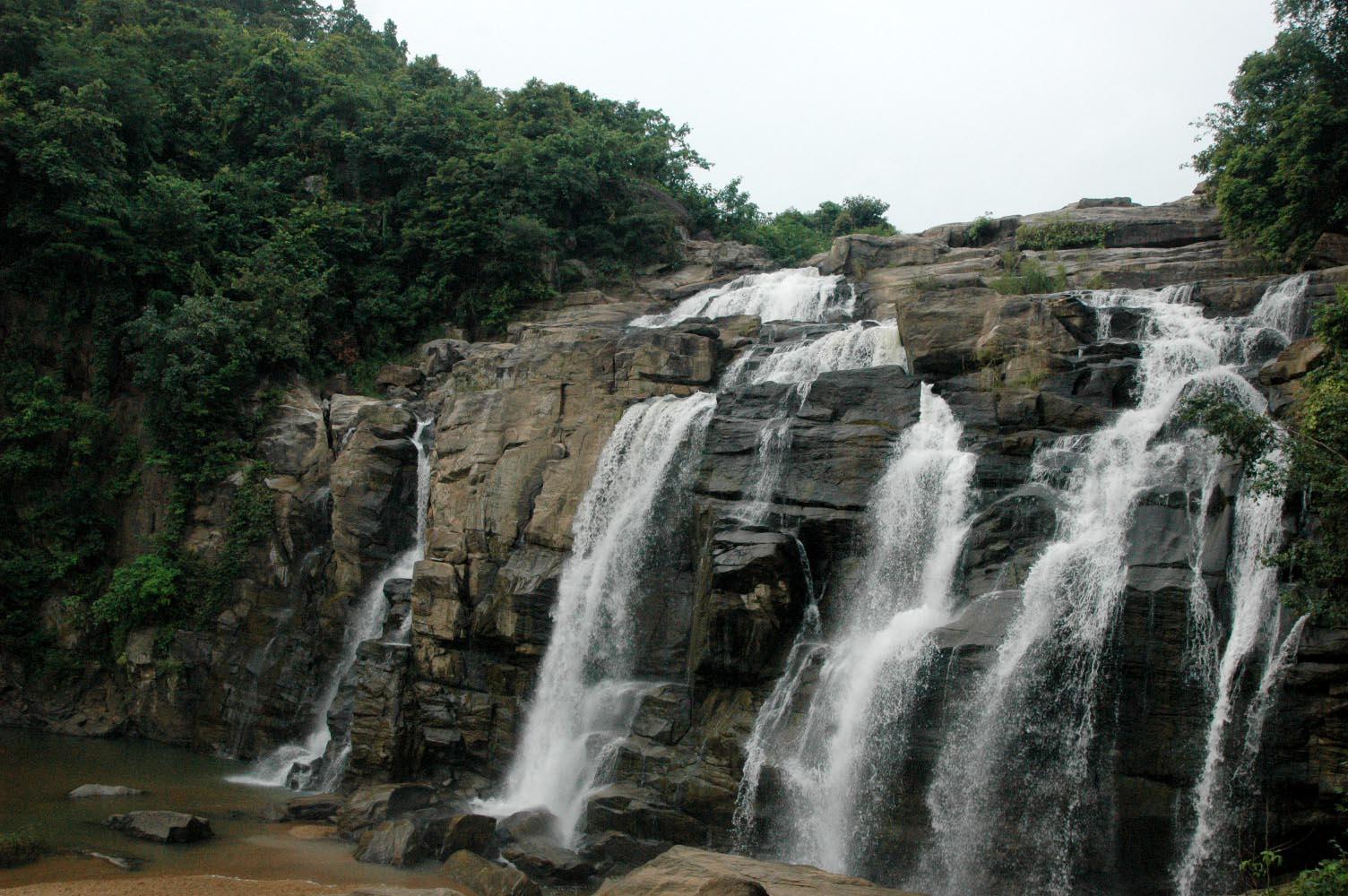 Lodh Waterfalls - Latehar Image