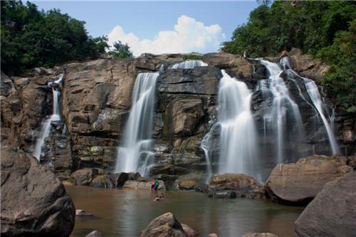 Gursandhu Waterfalls - Garhwa Image