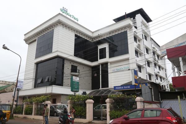 Hotel Royale Park - Alappuzha Image