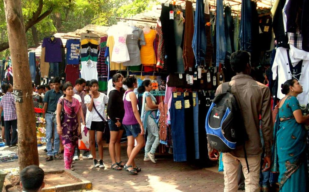 Fashion Street Market for Men to find branded clothes at cheaper rate