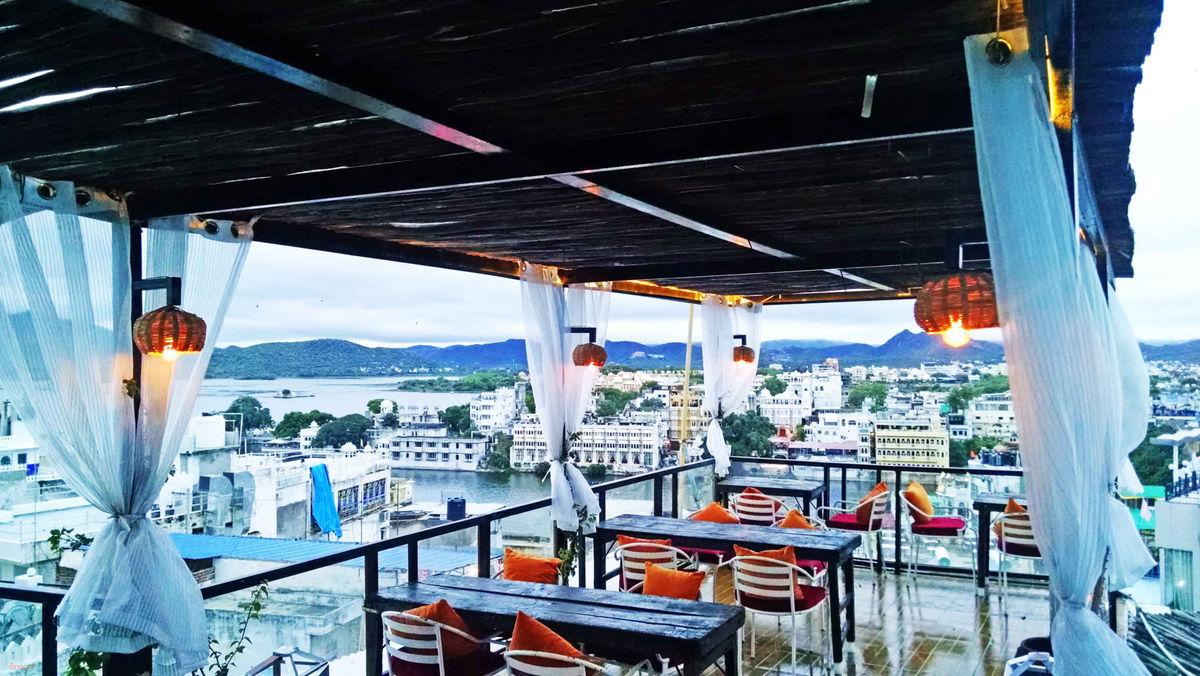 Sun & Moon Restaurant - Chandpole - Udaipur Image
