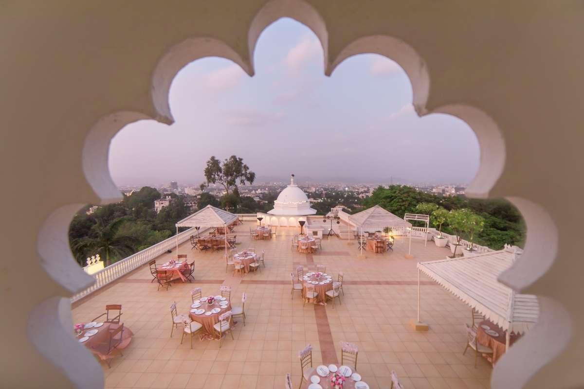 Zannat Rooftop Bar - Fateh Sagar - Udaipur Image