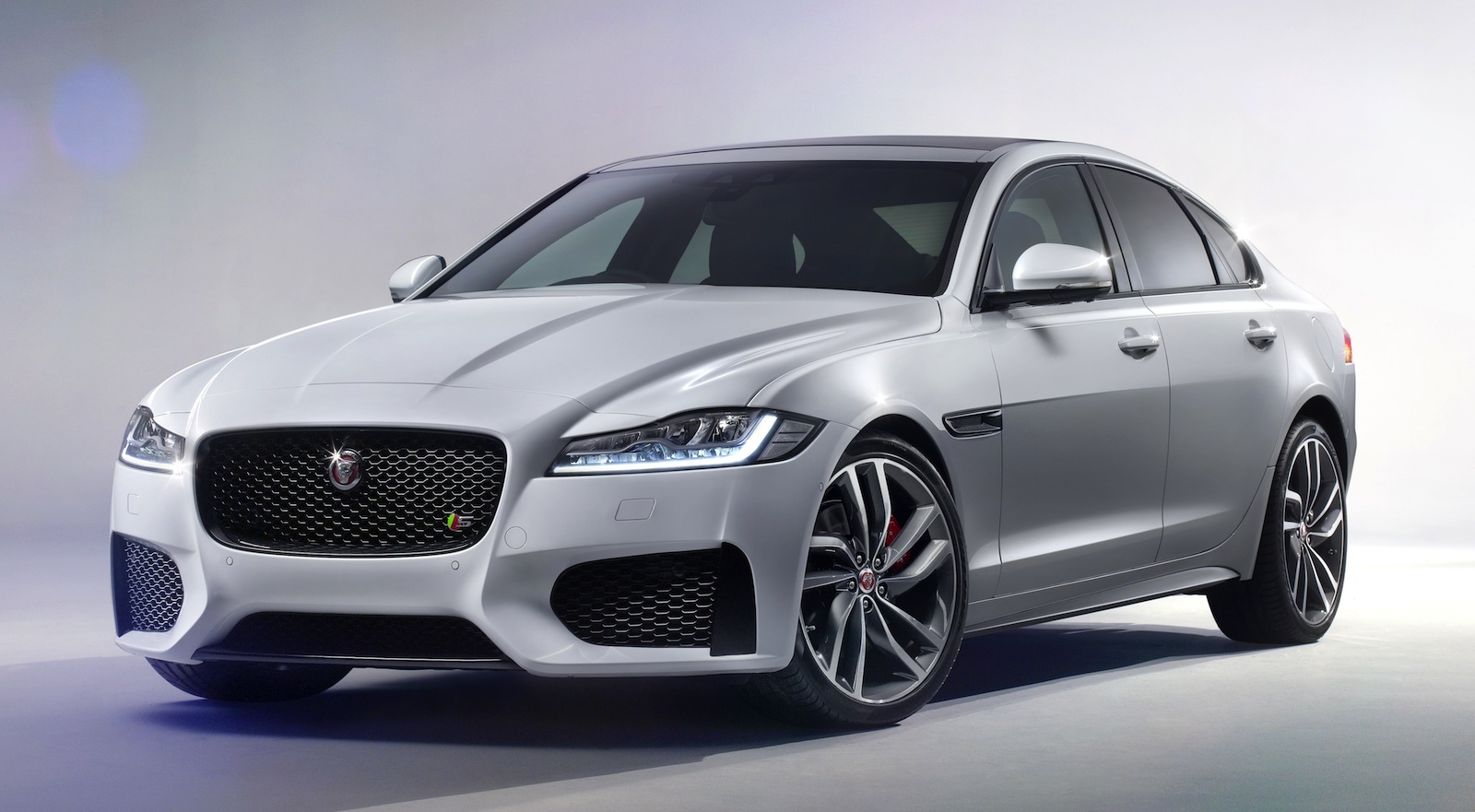 Jaguar XF 2016 Image