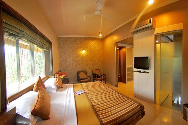 Chandralok Hotel - Nasia Road - Indore Image