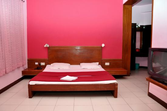 Manorath Hotel - Tilakwadi Corner - Nashik Image