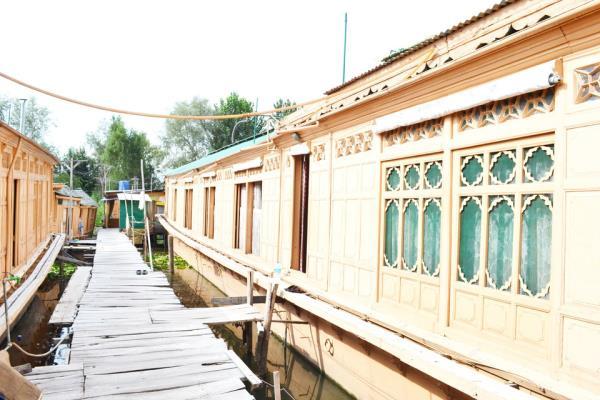 Houseboat Quebec - Dal Lake - Srinagar Image