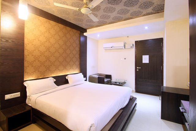 Hotel Galaxy Civil Lines Allahabad Hotel Reviews Room