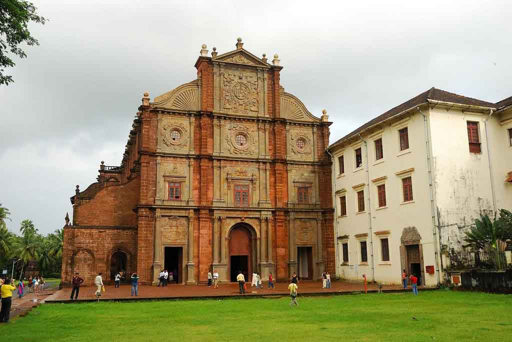 Image result for basilica of bom jesus bainguinim goa