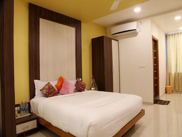 Hotel Shubhashree - Bangaramma Sajjan Campus - Vijayapura Image