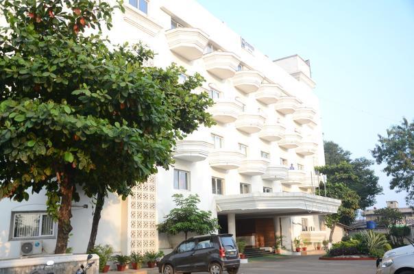 Hotel Tristar Inn - Wadgoan - Chandrapur Image