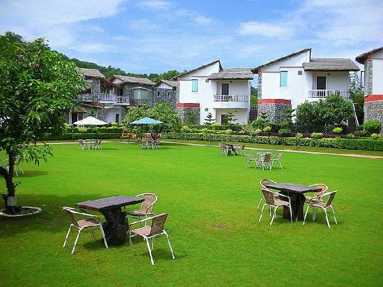 Wood Castle Spa & Resort - Ram Nagar - Corbett Image